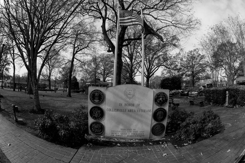 Collierville Area Veterans Monument.  Collierville Town Square.  Photo by Jim West